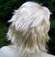 """Paruka """"platinová blondzka"""" krátká s ofino 20"""