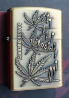Benzinový zapalovač Cannabis leaves noty styl zippo