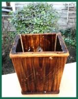 Dřevěný ozdobný květináč výška 12,5cm